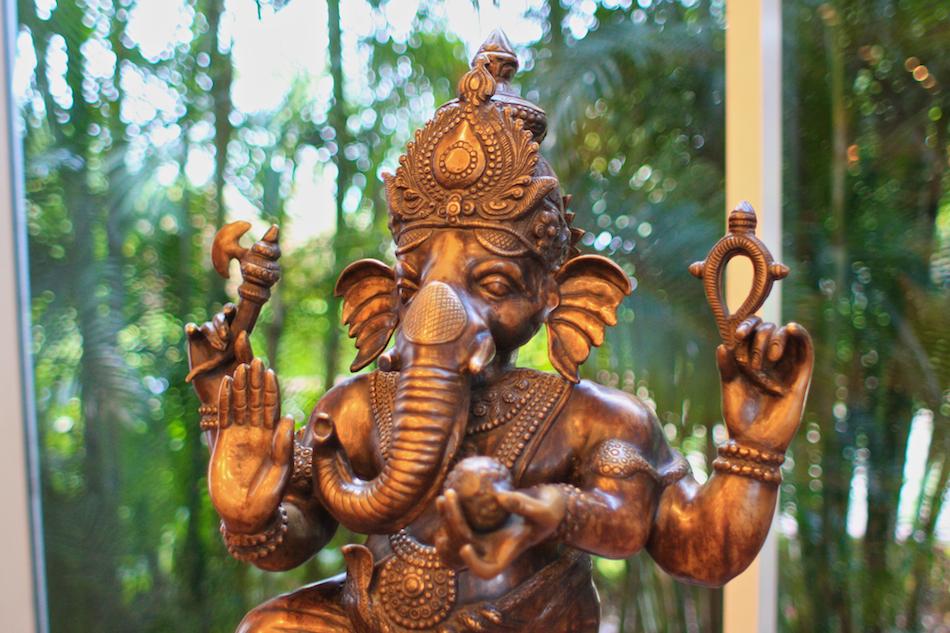 Ganesh [ EF 28mm 1.8 ]