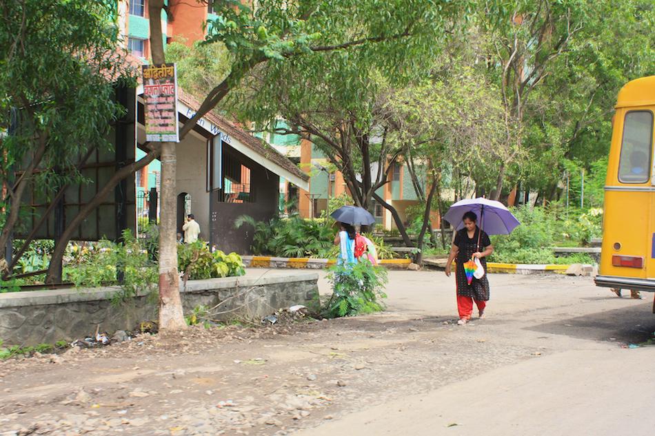 Walking with Umbrella [ EF 28mm 1.8 ]