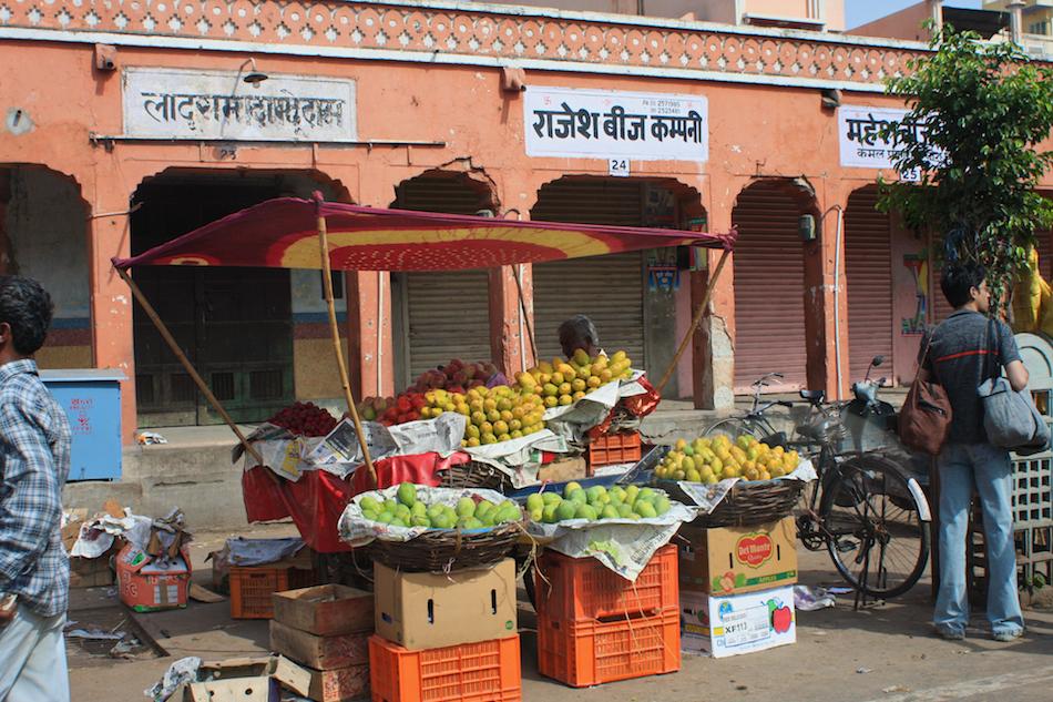 Fruit Stall [ EF 28mm 1.8 ]