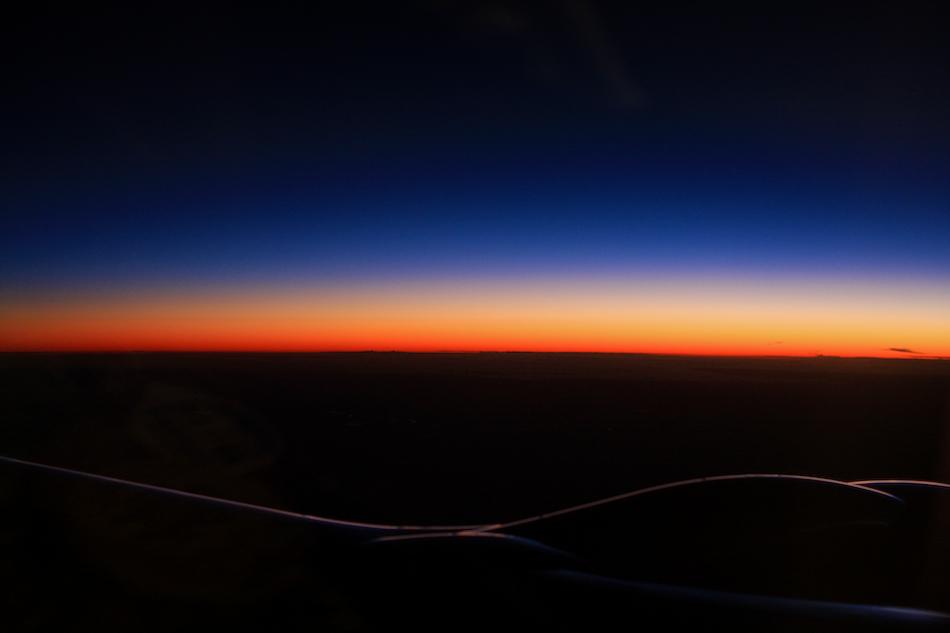 Wing Sunrise [ EF 28mm 1.8 ]