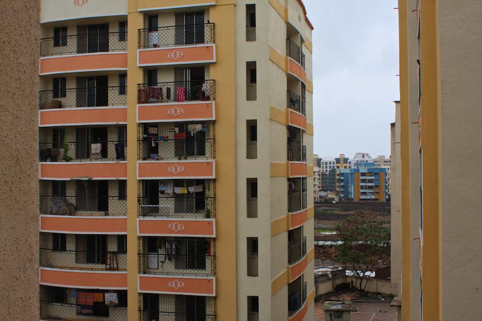 Apartments [ EF 28mm 1.8 ]