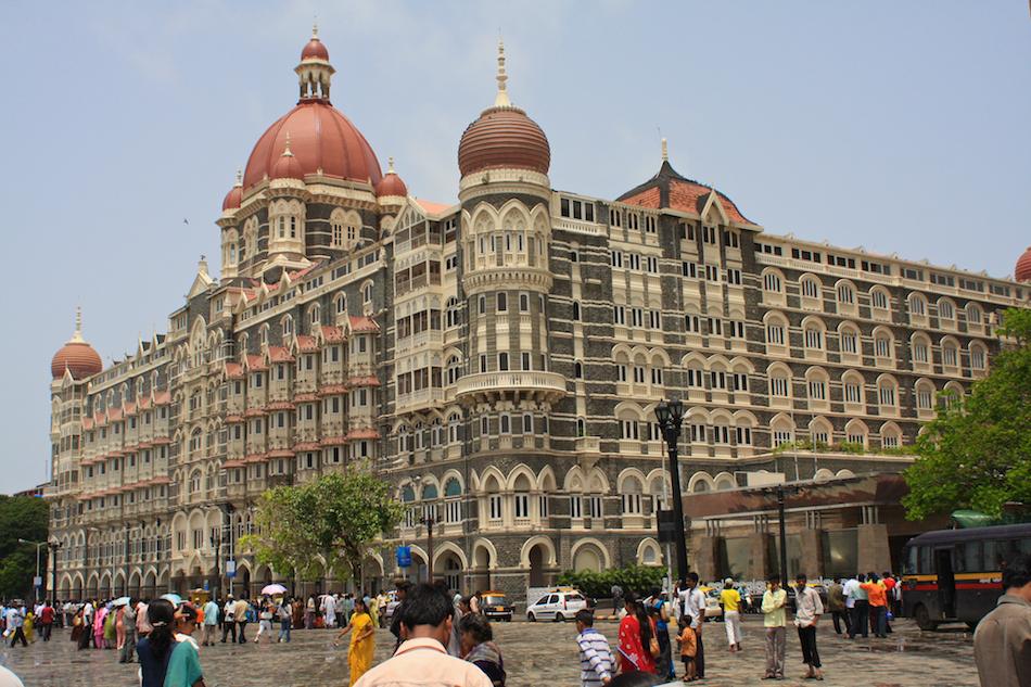 Taj Mahal Hotel [ EF 28mm 1.8 ]