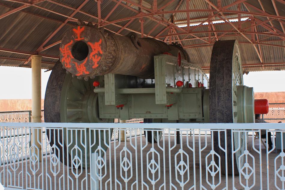 'Jai Ban' Cannon [ EF 28mm 1.8 ]