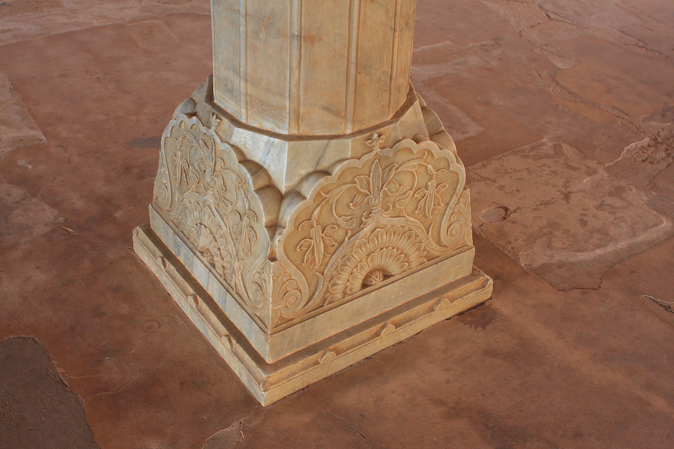 Pillars [ EF 28mm 1.8 ]