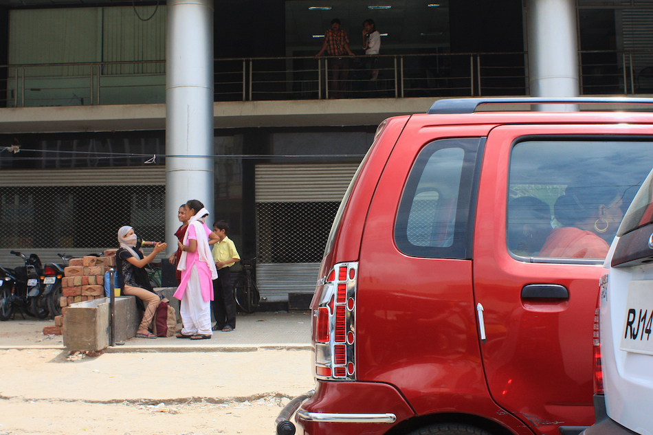 Jaipur Girls [ EF 28mm 1.8 ]