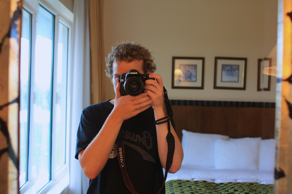 Photographer [ EF 28mm 1.8 ]