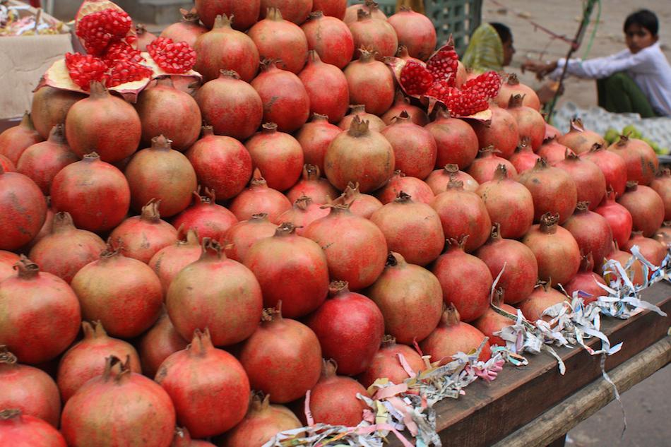 Pomegranates [ EF 28mm 1.8 ]