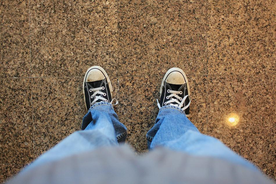 Feet [ EF 28mm 1.8 ]