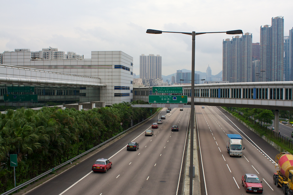 W Kowloon Highway [ EF 28mm 1.8 ]