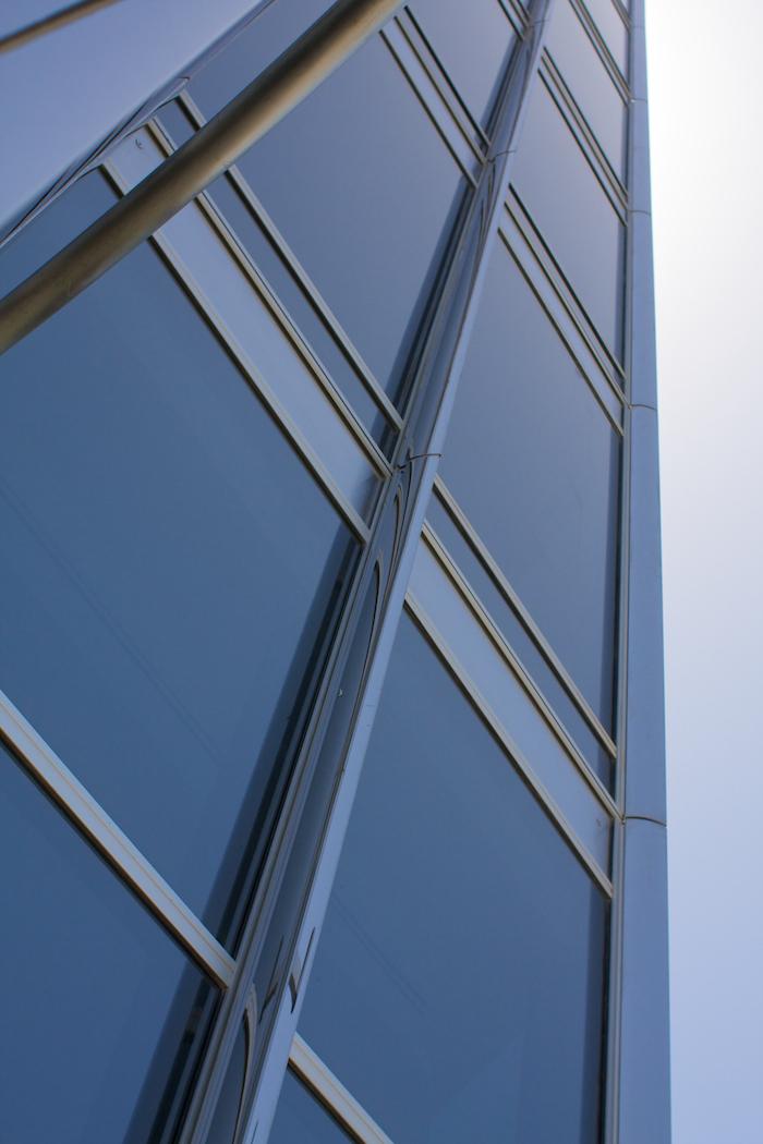 Metal and Glass [ EF 28mm 1.8 ]