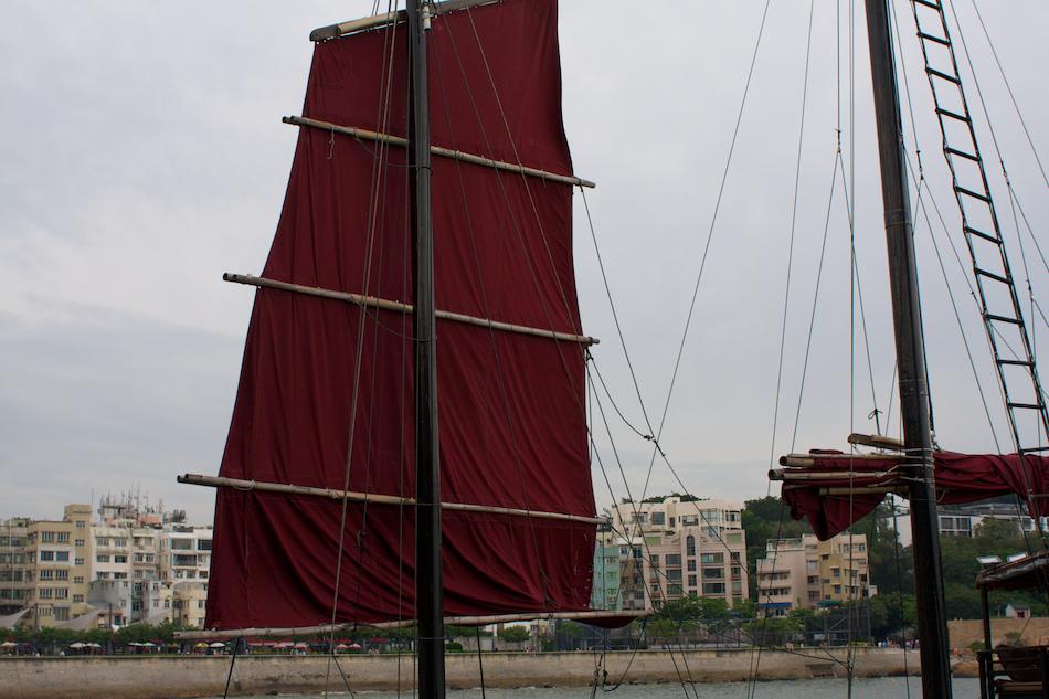 Sail [ EF 28mm 1.8 ]