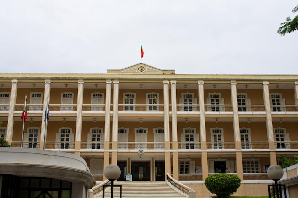 Portuguese Consulate [ EF 28mm 1.8 ]