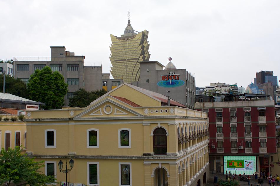 Casino Grand Lisboa [ EF 28mm 1.8 ]