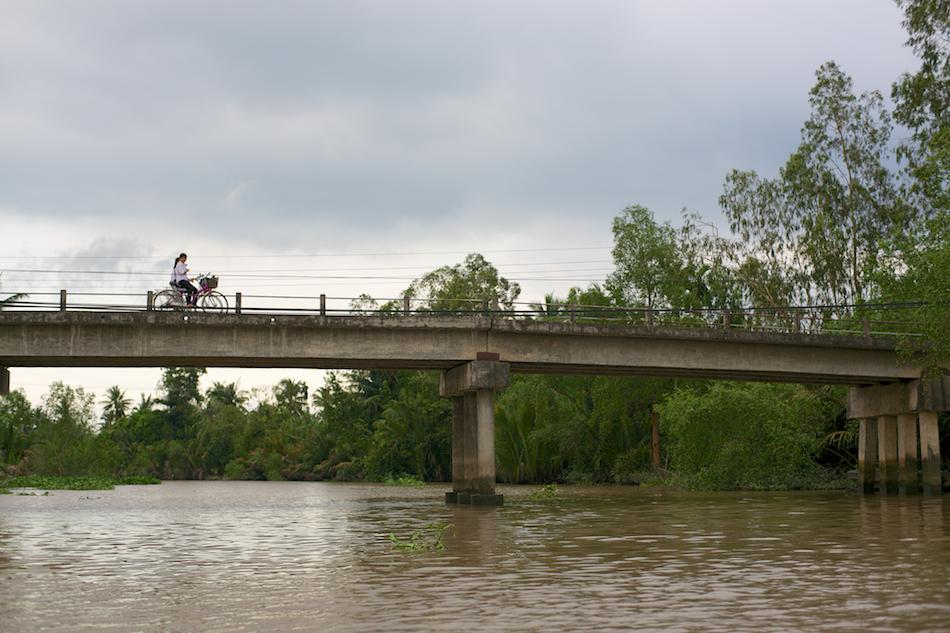 Schoolgirls on Bikes [ Zeiss Planar T* 50mm 1.4 ZE ]