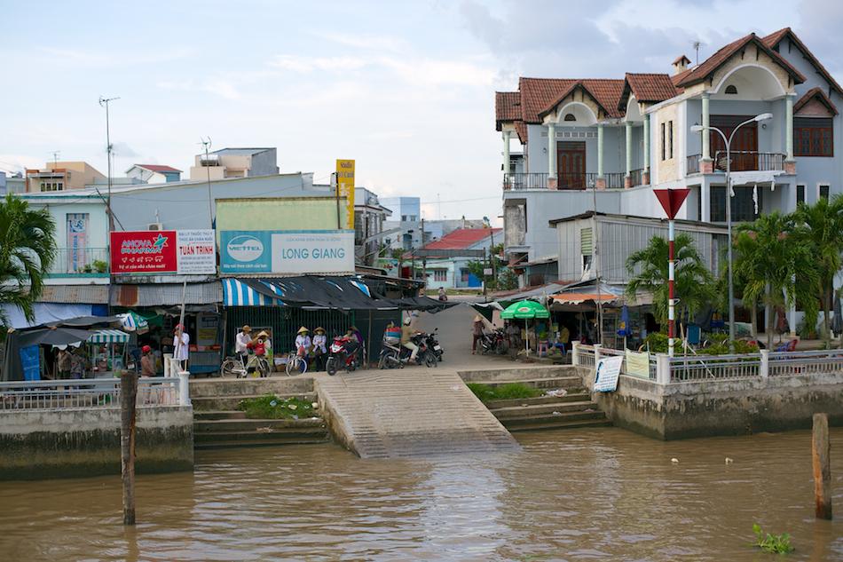 Ferry Dock [ Zeiss Planar T* 50mm 1.4 ZE ]