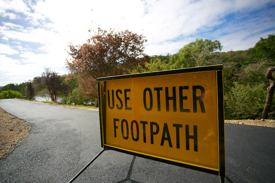 Use Other Footpath [ EF 17-40mm 1:4 L ]
