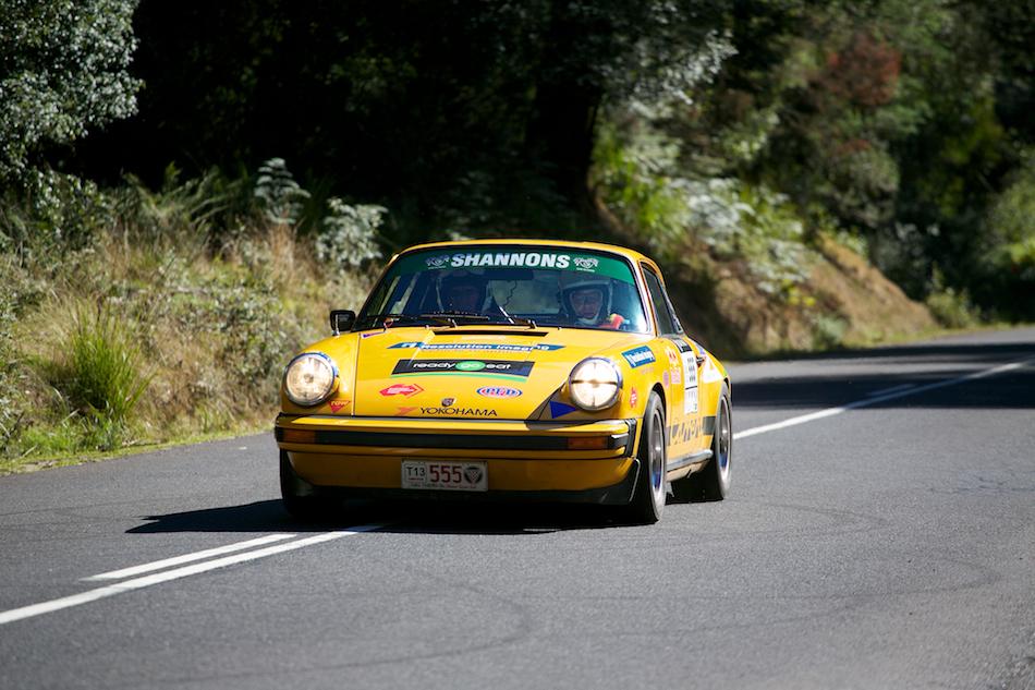 1974 Porsche 911 Carrera [ EF 70-200mm 1:4 L ]
