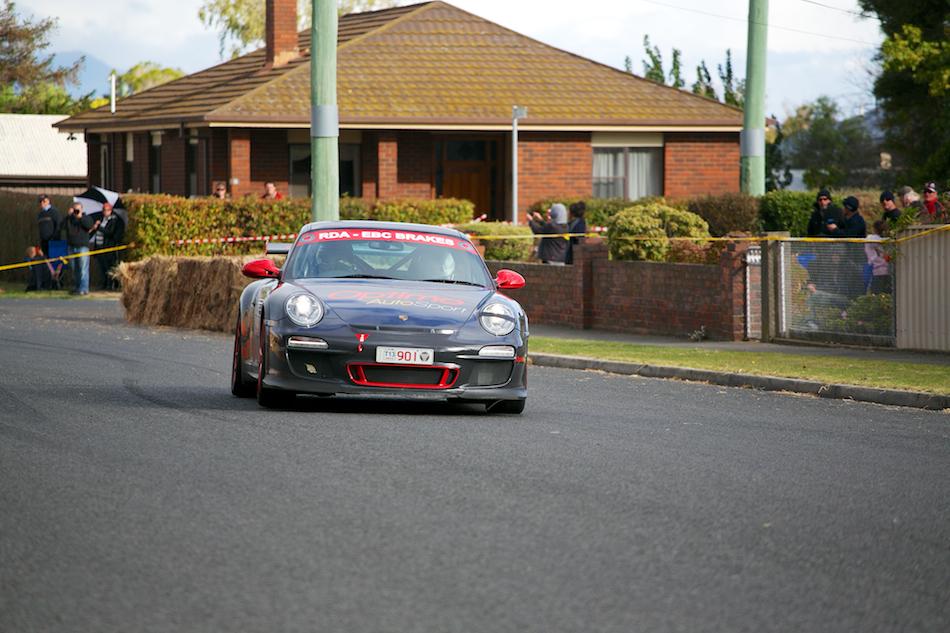 2010 Porsche 911 GT3 RS [ EF 70-200mm 1:4 L ]