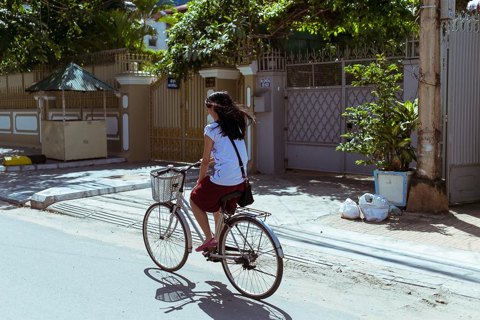 Girl on Bike [ EF 40mm 2.8 STM ]