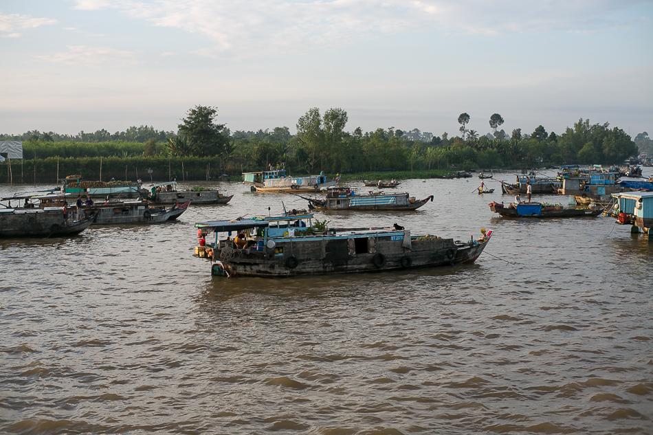 Floating Market Boats [ Zeiss Planar T* 50mm 1.4 ZE ]