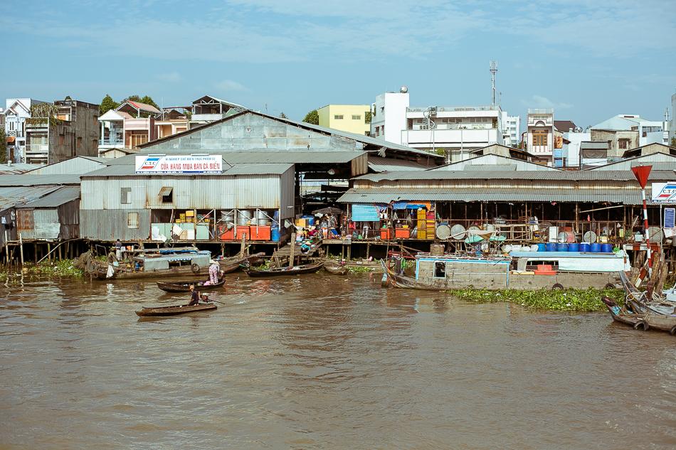 Riverside Market [ Zeiss Planar T* 50mm 1.4 ZE ]