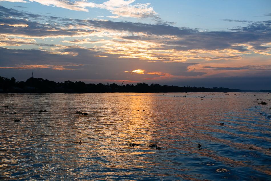 Mekong Sunrise [ Zeiss Planar T* 50mm 1.4 ZE ]