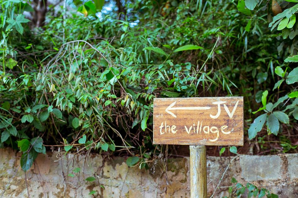Left to the village [ Zeiss Planar T* 50mm 1.4 ZE ]