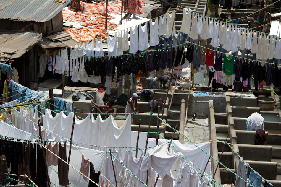 Saturday at the Dhobi Ghat [ EF 24 - 105mm 1:4 L IS ]