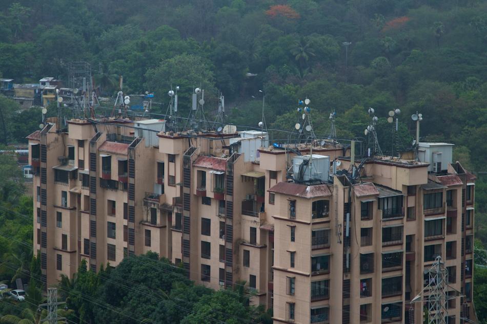 Lok Vihar Apartments [ EF 24 - 105mm 1:4 L IS ]