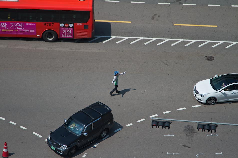 Directing Traffic [ EF 24 - 105mm 1:4 L IS ]