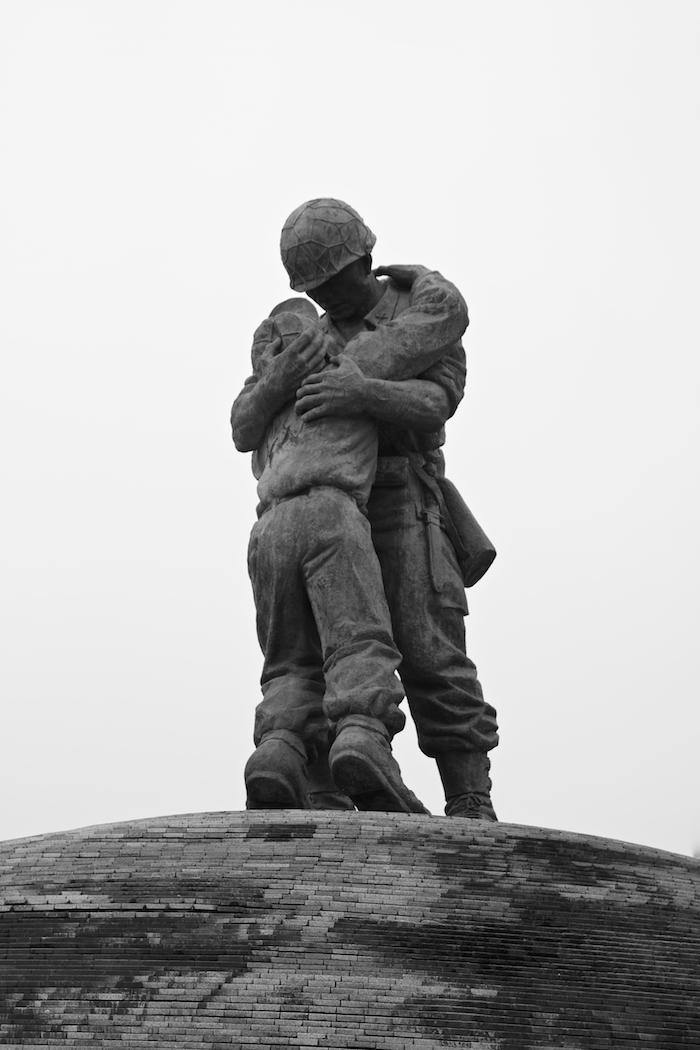 Statue of Brothers [ EF 24 - 105mm 1:4 L IS ]