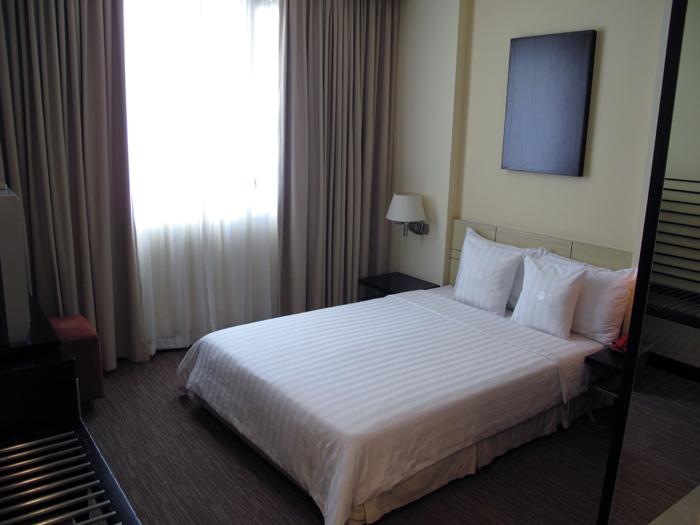 Palace Hotel Saigon Room