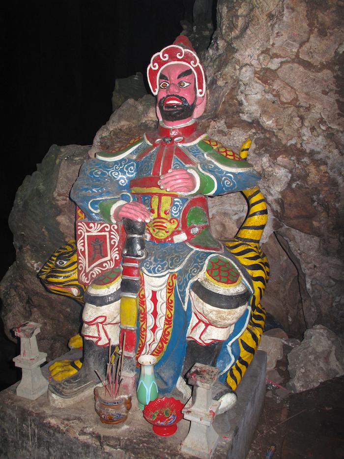 Huyen Khong Cave Guard II